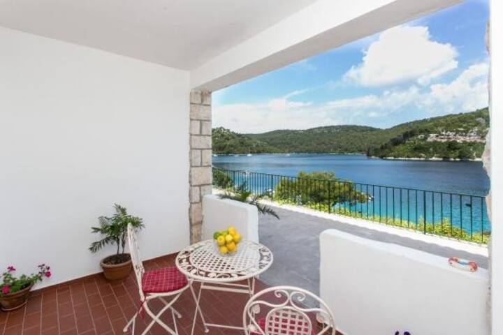 Guest House Busurelo - Double room with sea view (S1)