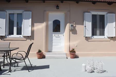 CASA DI NONA - the house of hospitality