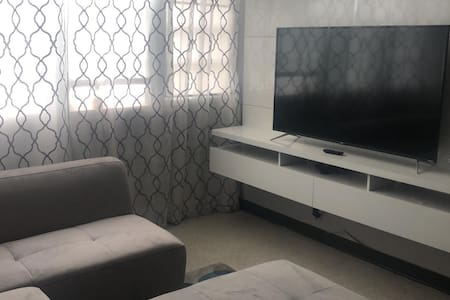 Modern Cozy 2 Bedroom Apartment in Central area