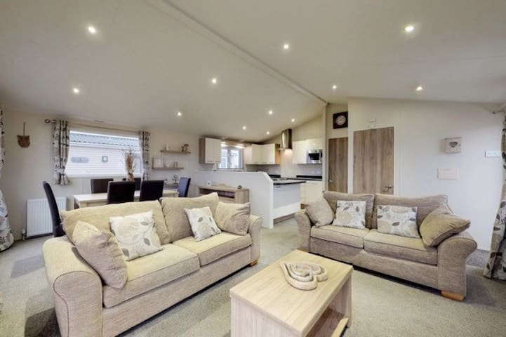 Luxury 3 bedroom Lodge Patrington Haven