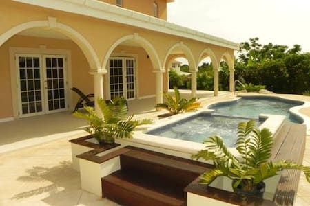 Luxury Villa on the prestigious west coast - Mount Standfast - Vila