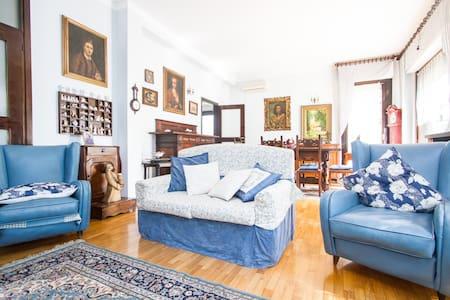 Villa Blu a 5 minuti da Rho Fiera - House
