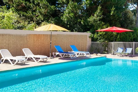 Gîte N°6  en bord de mer avec piscine chauffée - Larmor-Baden - Apartment