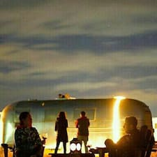 Glamping Ruta De Arte Y Vino is the host.