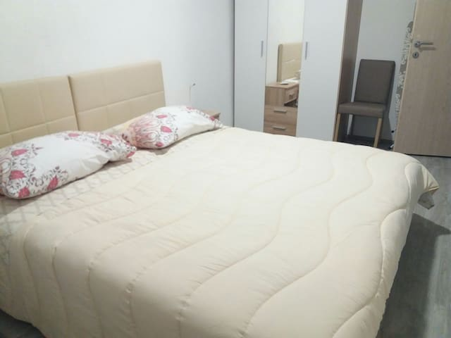 Bedroom with two comfortable beds. They can be used as double bed or twin beds.