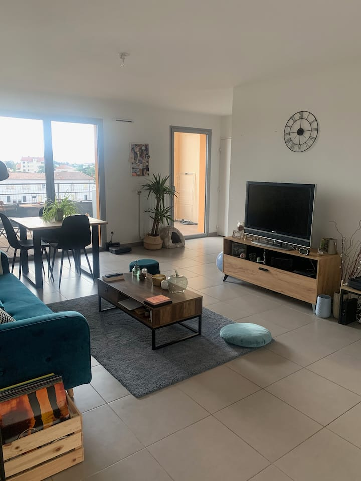 Chambre dans appartement neuf - centre ville