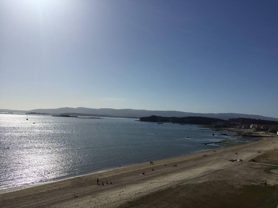 Primera línea de playa con excelentes vistas de la Ría de Arousa