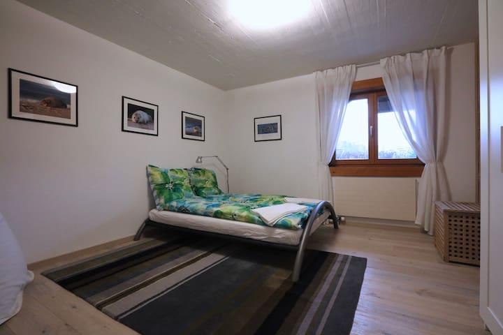 1 Zimmer (Nr 4) in einem Blockhaus - Therwil