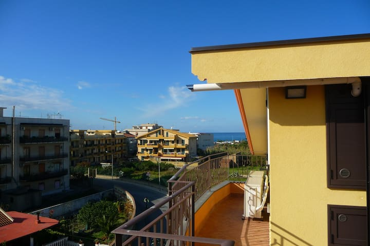 New attic near the sea with solarium (Wi-Fi) - Villafranca Tirrena