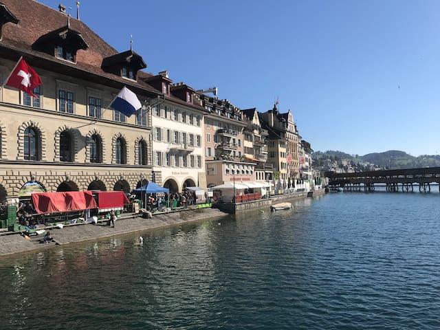 Luzern Markt Altstadt