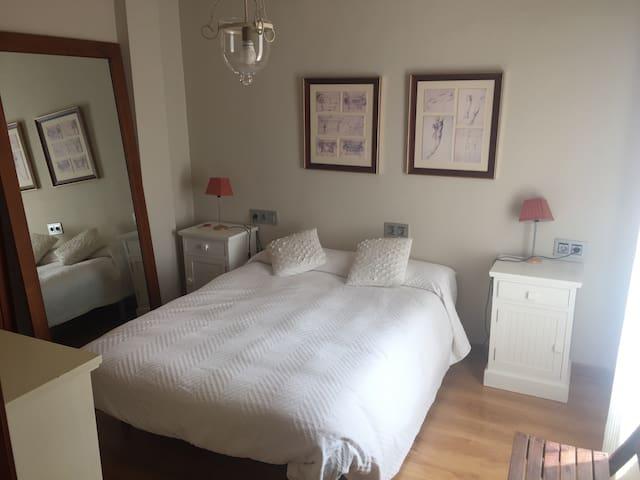 Suite con 2 habitaciones y 1 baño - Valencina de la Concepción - 아파트