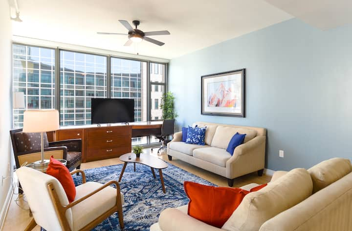 Great Value 2BR Apartment | Downtown Location