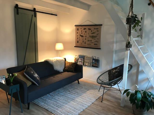 Sfeervol appartement vlakbij Amsterdam met tuin