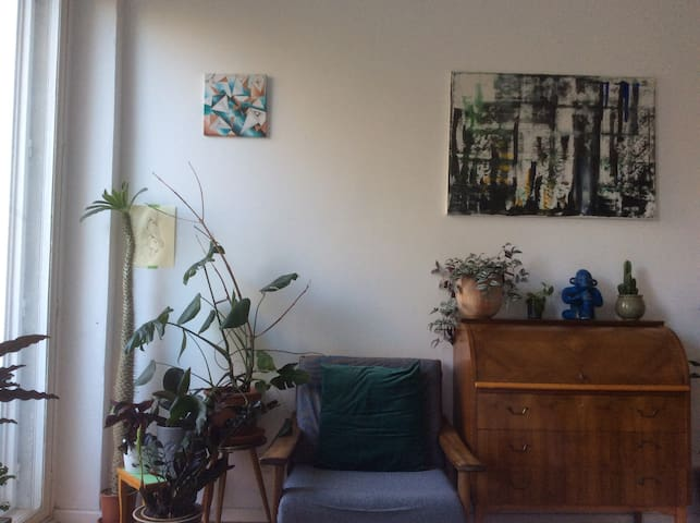 Cozy, quiet room in Neukölln with wonderful view