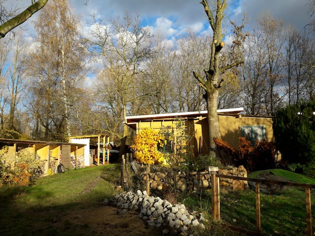 Lehm-Landhaus im grünen Markkleeberg