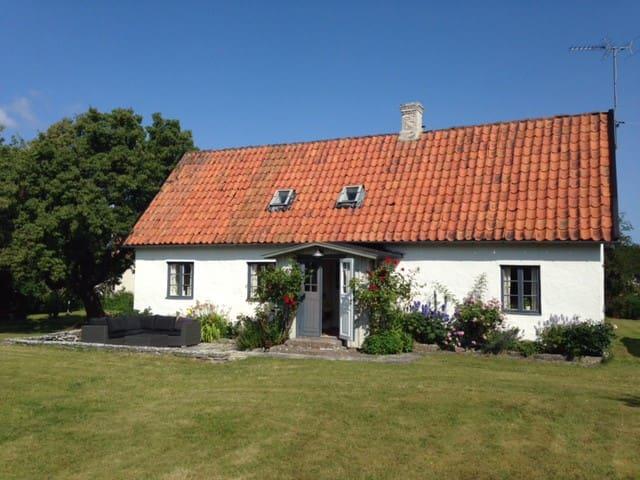 Fårö, charmigt gotländskt stenhus - Gotland N - Hus