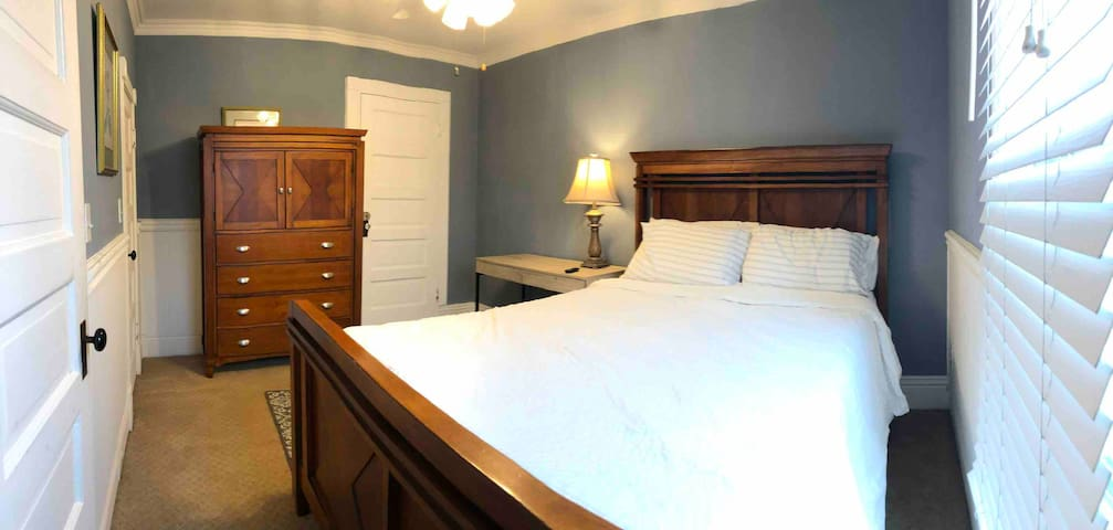 Queen Bed in Historic Downtown