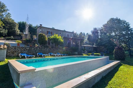 Spectacular relaxing villa with pool in Campanet