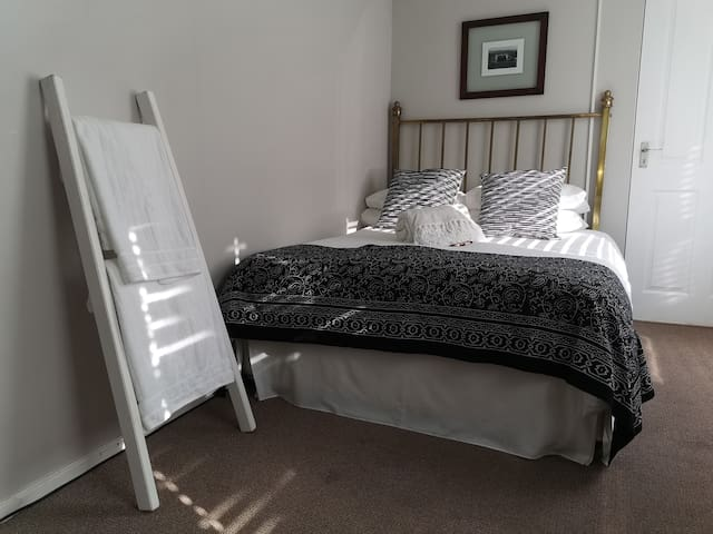 Hermanus 13 on 2nd Triple Room