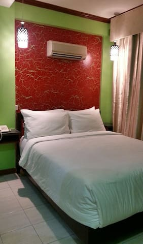 Tinhat Boutique Hotel & Restaurant - Davao City - Bed & Breakfast