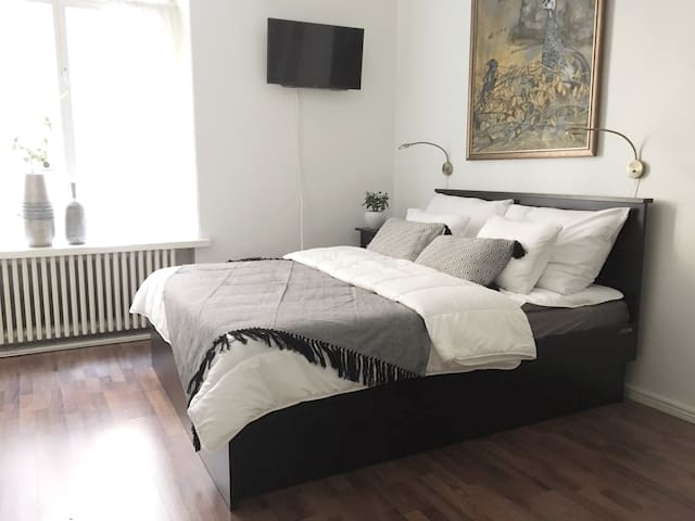 Studio 25m2 Great Location and Comfy Bed for 2