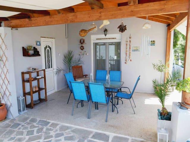 Karolos house close to Athenian Riviera