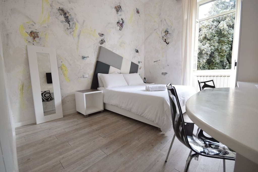 Design room near termini station chambres d 39 h tes for Chambre hote design rome