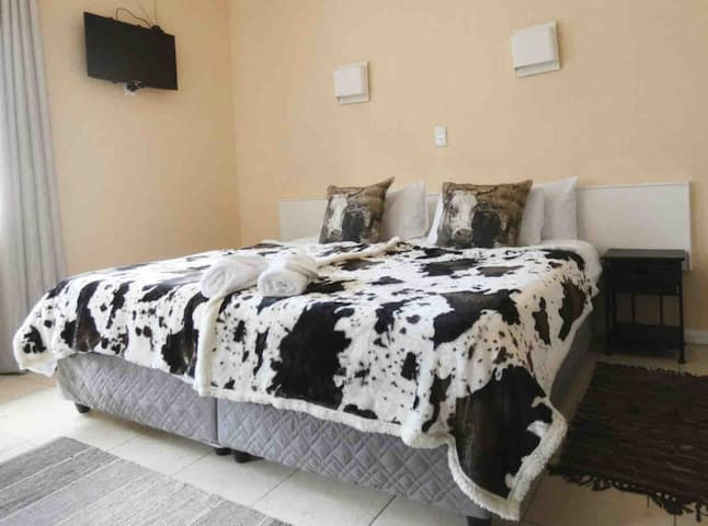The Breeze On Main, Sea Point, Room 204