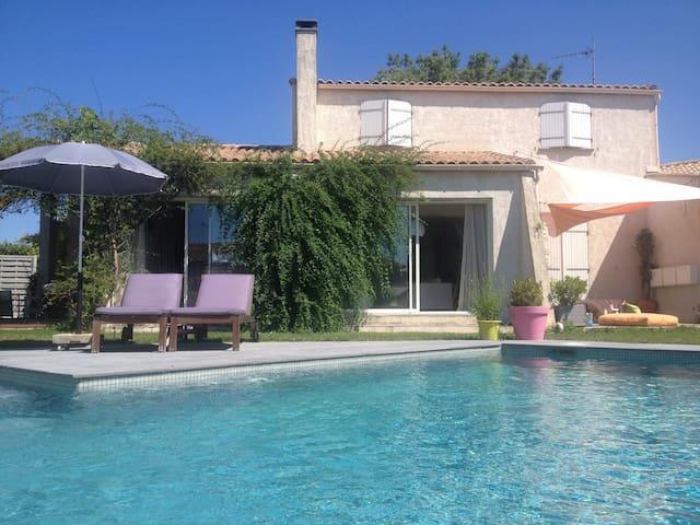 Villa familiale avec piscine - Saussan - Villa