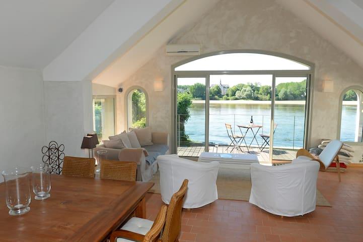 Un salon-terrasse sur la Loire