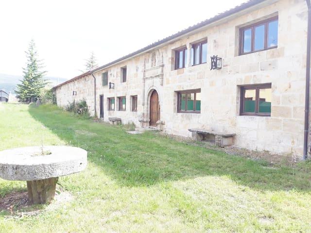 Reinosa.Habitación individual-baño privado en Casa