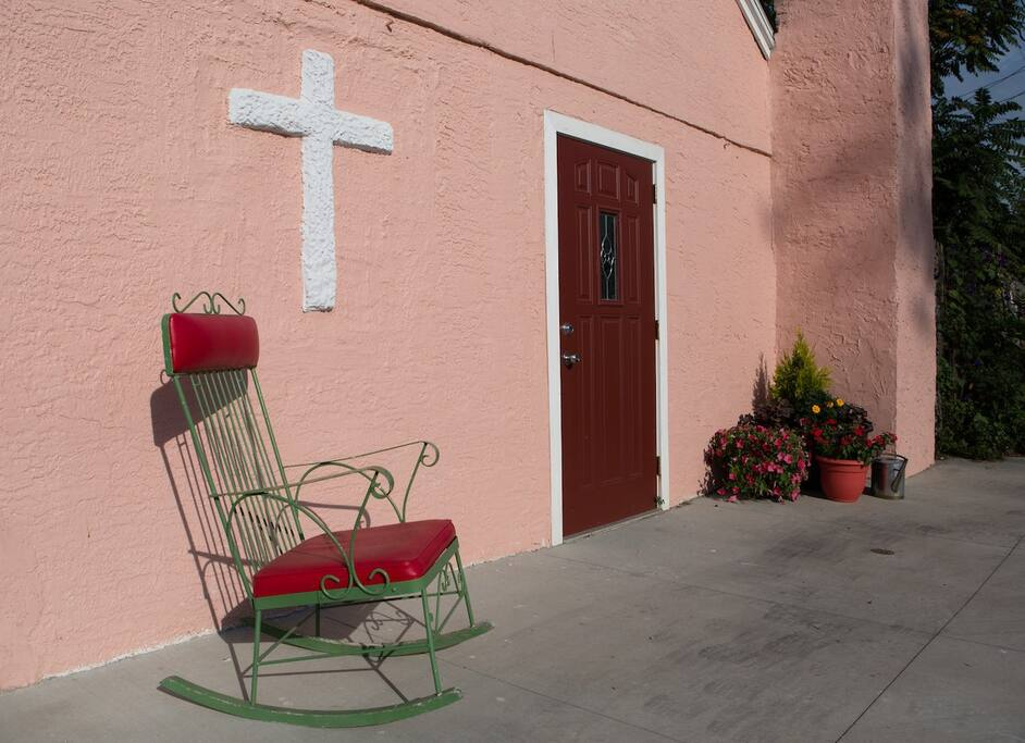 The little church on the alley - Guesthouses for Rent in Columbus ...