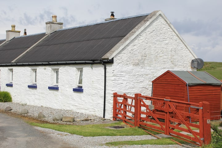 Crumble Cottage East (self catering)
