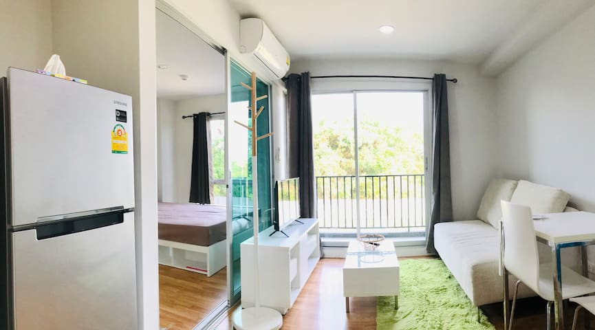 A condominium at rayong. Easy connect the sea
