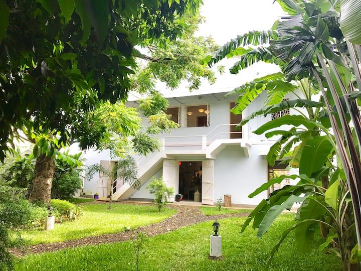 VIVRE dans une très belle Maison Coloniale