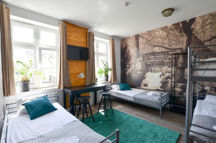 Studio 4 osobowe  z łóżkiem piętrowym