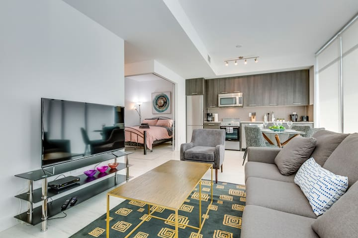 Spectacular 2BR Suite in King East - Amazing View!