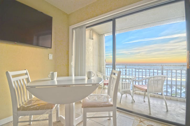 Oceanfront 1 BR Condo w/ The Best 180° Beach Views