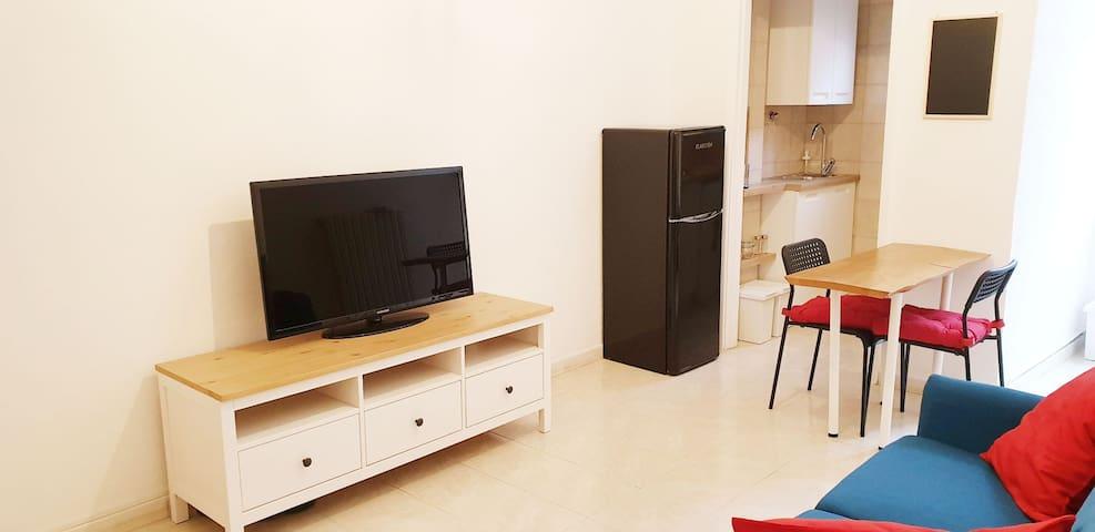 Intero appartamento vicino Navigli, Iulm, Naba