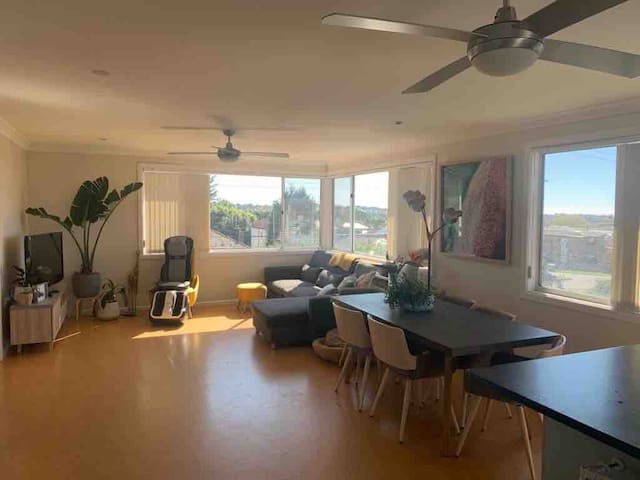 Northern beaches 2bd for single or couple