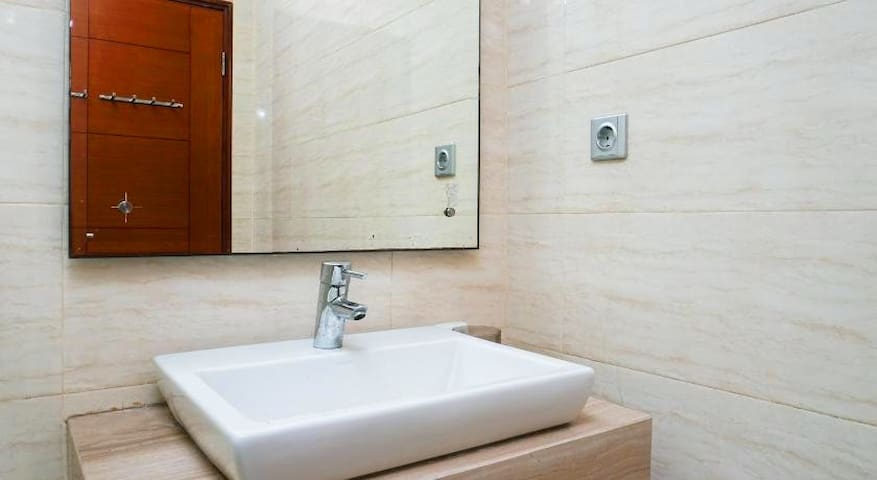 Modern Studio Ancol Mansion Town Home Apartment