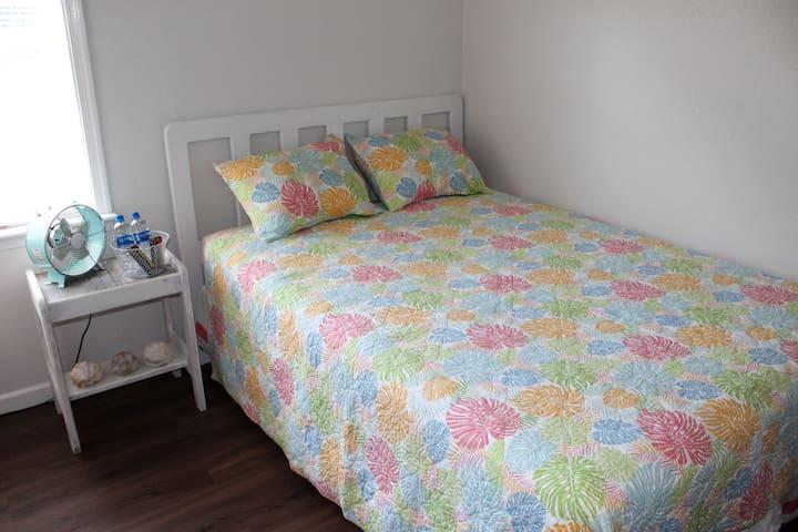 Ocean Blue - Room 2