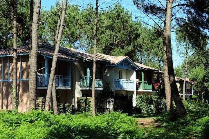 Maison Vieux-Boucau, piscine, proche océan et golf