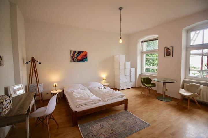 Studio in Kreuzberg / Reichenbergerstr 2 OG