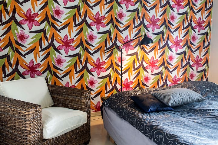Charming tranquil room in villa at Lake Tuusula