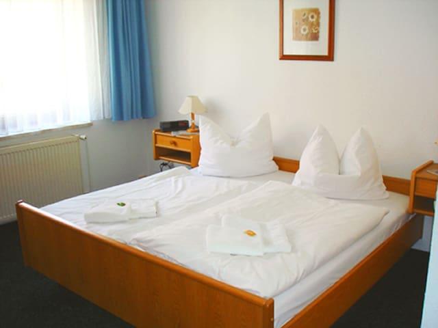 Hotel Landgasthof (Schwabhausen) - LOH05529, Doppelzimmer mit Dusche und WC