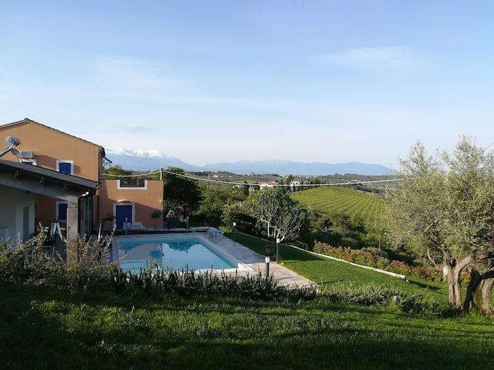 Luxe verblijf GUESTHOUSE, 4 pers, zwembad, terras