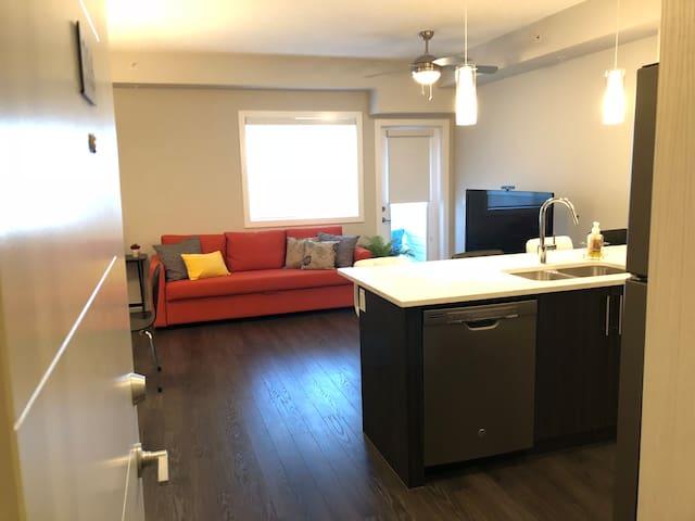 Modern & Cozy Entire Condo in NW Calgary