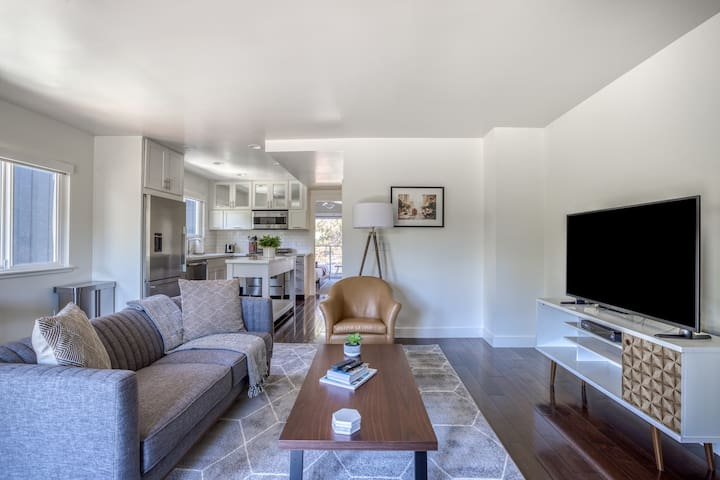 Lovely 1BR in Tiburon, Near Waterfront + Pool