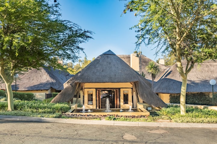 Stress-free relaxing getaway at Shumba Lodge